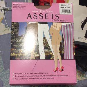 Maternity tights- never worn!